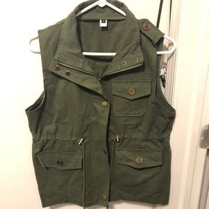 Women's Green Utility Vest